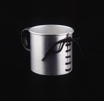 Ursula Burghardt: Tied-up Mug