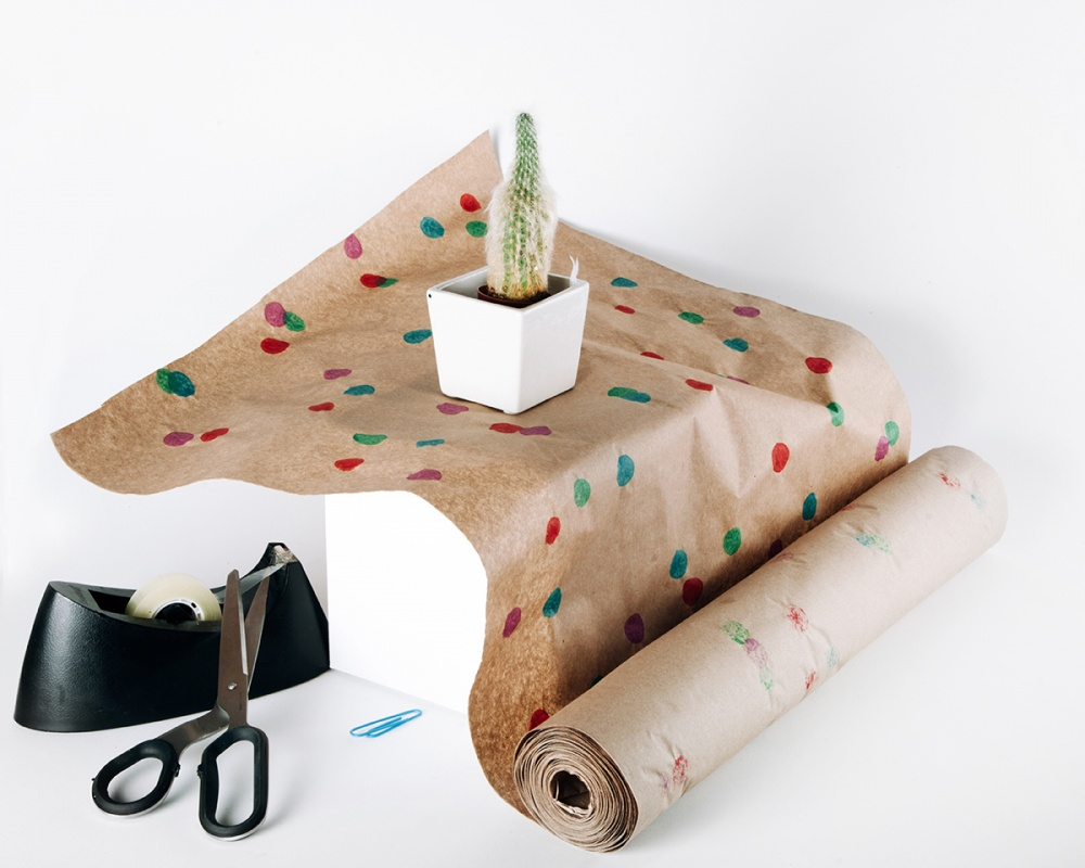 Akay - Gift Wrap