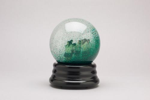 Lee Bul - Amateurs Snowglobe